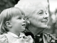 ave-bonar-photography-ann-richards-and-granddaughter-lily-adams-during-the-1990-texas-campaign-for-governor
