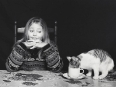 ave-bonar-photography-girl-and-cat-portrait